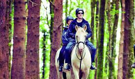 Inmersión en familia con caballos